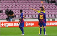 Vào sân 5 phút, thần đồng Barca đã phải 'đi tắm sớm'