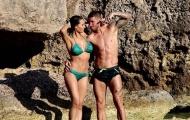 Sergio Ramos tận hưởng kì nghỉ bên cạnh bạn gái nóng bỏng tuổi 40