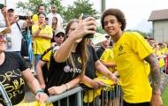 Sao tuyển Bỉ tươi như hoa trong ngày đầu ở Dortmund