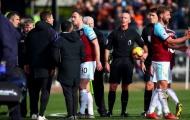 Tottenham thua đau, HLV Pochettino gây hấn với trọng tài Mike Dean
