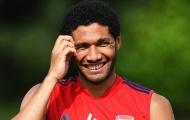 CHÍNH THỨC! Sau Monreal, Arsenal chia tay 'kẻ bị Emery hắt hủi'