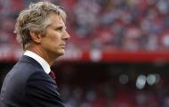 XONG! Van der Sar đưa ra quyết định về việc trở lại Man Utd