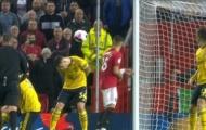 Né cú sút của McTominay, đội trưởng Arsenal bị chỉ trích