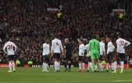 Phạm lỗi rõ ràng, Man Utd 'đánh lừa' cả VAR?