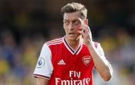 Unai Emery lên tiếng, than khổ khi phải phục vụ Mesut Ozil