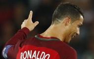 Ronaldo lại dùng kiểu tóc để làm từ thiện?
