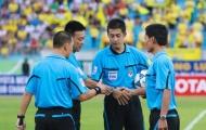 """Trọng tài nước ngoài và 3 chữ """"KHÔNG"""" tại V-League"""