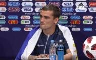 Griezmann khoác cờ Uruguay để ăn mừng chức vô địch của Pháp