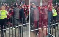 NHM cảm động với hành động của Salah và Henderson trước trận gặp Wolves