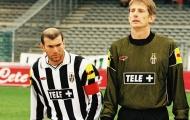 Van der Sar: 'Nếu được chọn lại, tôi sẽ không đến Juventus'
