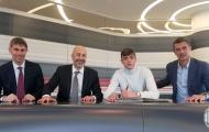 CHÍNH THỨC: Milan 'trói chân' thành công hậu duệ nhà Maldini