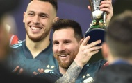 CHÍNH THỨC: Messi nâng cúp với đội tuyển Argentina