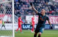 Sao trẻ lập hat-trick cho Ajax ngay trận đầu đá chính