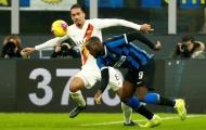 Lukaku chịu thua trước Smalling, Inter nguy cơ mất ngôi đầu bảng