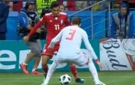 Pique bị cầu thủ Iran biến thành gã hề