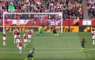 Sao Arsenal chỉ trích tân binh sau bàn mở tỷ số của Sterling