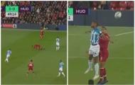 Đây! Hình ảnh đáng sợ nhất với NHM Liverpool ở trận thắng Huddersfield
