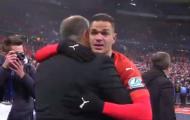 Trả thù PSG thành công, sao Rennes khóc như đứa trẻ