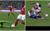 'Ông ấy đã có 2 quyết định chuẩn xác trận Chelsea - Arsenal'