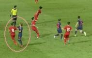 Nếu VAR xuất hiện, có thể cầu thủ Thái Lan đã bị đuổi khỏi sân?