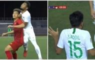Bóng chưa lăn quá 1 phút, cầu thủ Indonesia đã giở trò