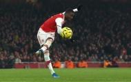 'Khán giả Emirates đồng loạt vỗ tay khi anh ta đi bộ ngoài sân'