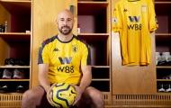 CHÍNH THỨC: Huyền thoại 'Găng tay vàng' tái xuất Premier League
