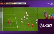 Neville nói lời khó tin về pha tranh chấp giữa De Gea và Van Dijk