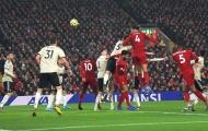 Bạn đã hiểu vì sao Maguire dễ dàng để Van Dijk hạ gục Man Utd?