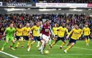 Dàn sao Arsenal làm nền, biến sao Burnley thành... 'Messi và Maradona'