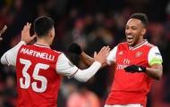 Thất bại muối mặt trên sân nhà, Arsenal chìm sâu trong khủng hoảng