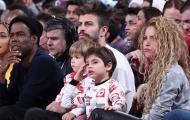 Vợ chồng Pique hào hứng xem bóng rổ tại Mỹ