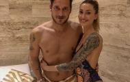 Totti bị bắt gặp đi spa cùng hotgirl xăm trổ