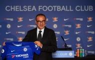 Muốn làm việc lâu dài ở Chelsea, Sarri cần vứt bỏ quần thể dục