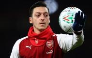 Ozil vướng scandal 'nghiện' game, Unai Emery lên tiếng bảo vệ học trò