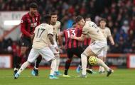 Man Utd tìm thấy 'kẻ lười biếng': 27 lần chạm bóng, chuyền thua cả De Gea