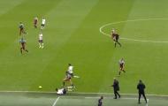 Mourinho: 'Bạn sẽ không thể làm điều đó khi buồn bã'