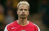 Vào ngày này, Dennis Bergkamp ghi bàn thắng kinh điển