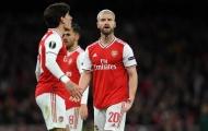 'Sẽ là phi thực tế nếu trông chờ Arsenal làm điều đó'