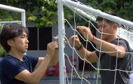 HLV Toshiya Miura chung tay cùng đội bóng của Công Vinh