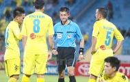 Lượt về V-League 2018, thuê 'vua ngoại' cầm còi nhiều trận nhạy cảm