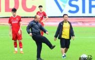 Trở lại Việt Nam, HLV Park Hang-seo 'vi hành' tuyển quân chiến AFF Cup 2018