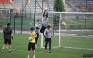 Tiến Dũng khát khao trên sân tập, sẵn sàng bắt chính trận ĐT Việt Nam đấu Malaysia