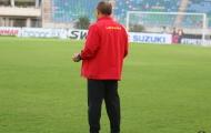 Thầy Park có hành động lạ trên sân Thuwanna trước trận đấu với Myanmar