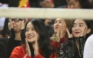 Ngắm nụ cười thánh thiện đốn tim các fan của bạn gái Đoàn Văn Hậu