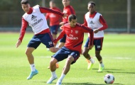 'Bom tấn' tập làm thủ môn, Arsenal sẵn sàng nghênh chiến Spurs