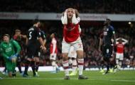 VAR xuất hiện, Arsenal mất 3 điểm theo kịch bản không tưởng