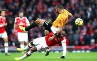 Unai Emery 'mếu máo' nhìn Arsenal sụp đổ trên sân