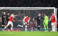 'Bom tấn' Pepe kích nổ, Arsenal nhấn chìm Man Utd chỉ trong 45 phút