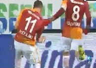 Cú nã đại bác với tốc độ 128 km/s khó tin của Podolski